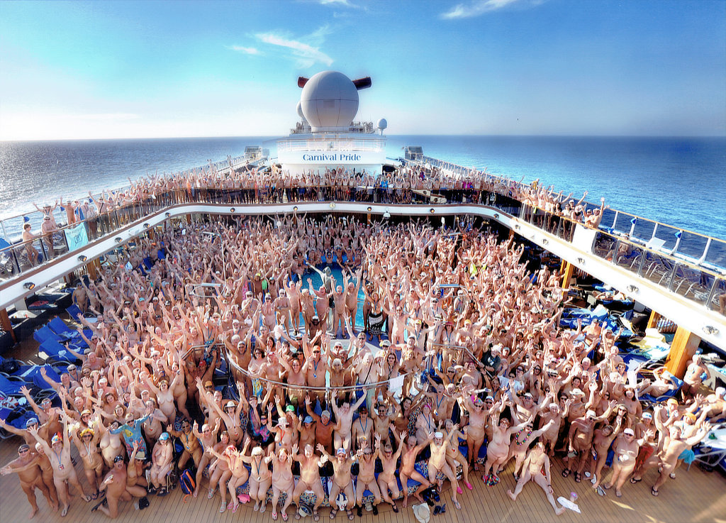 Photos skinny group of naked girls on a boat carrera
